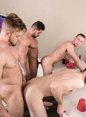Brandon Evans, Ryan Sparks and Damien Stone fucks Levi Logging