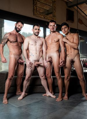 Andrey Vic, Ken Summers, Victor D'Angelo and Max Arion suck and fuck