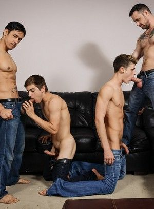 Johnny Rapid and Travis Stevens fucks Rafael Alencar and Sergeant Miles