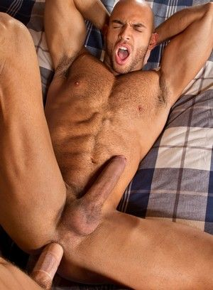 Sean Zevran and Sebastian Kross fuck each other