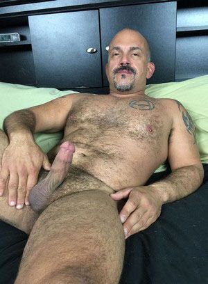 Jay Ricci shows off his body