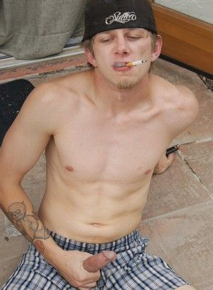 Ian Madrox smokes and strokes his hard cock!
