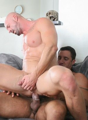Mitch Vaughn fucks Nick Capra