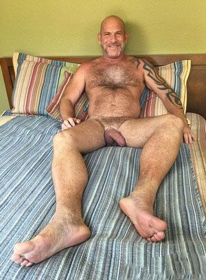 Luis Casola shows off his body
