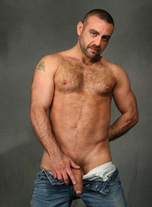 Manu Maltes shows off his hairy body