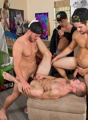 Trevor Long, Tobias, Johnny Cohen and Charlie Paterson bareback fuck