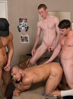 Charlie Patterson, Kyle, Tobias and Leon Lewis bareback fuck