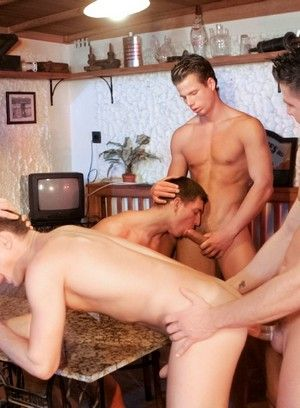 Gabriel Thorsten, Julian Vincenzo, Fredy Costa, Irving Hunter and Geoffrey Garcia fucking bareback