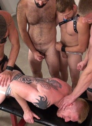Exciting Gay Groupsex