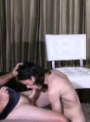 Tom Valenti gets his mouth fucked by Clay