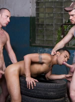 Edward Fox and Peto Coast fucks Lucio Saints