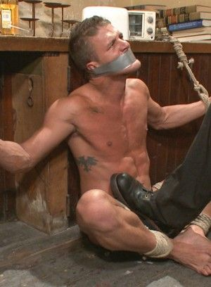 Alexander Gustavo are bound and fucked by Christian Wilde