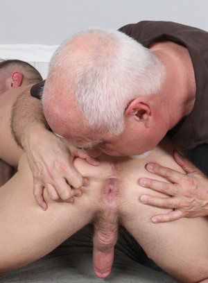 Jacob Durham gets worship his cock