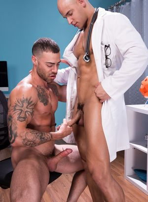 Sean Zevran and Carlos Lindo suck and fuck each other