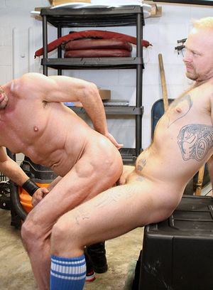 Delsin Pistons, Nick Wood, mature, Daddy, anal, oral, bald