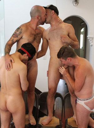 Leo Rocca, Jaxon, Titus and Cruiser fucking bareback