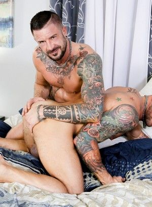 Dolf Dietrich and Hugh Hunter fuck each other