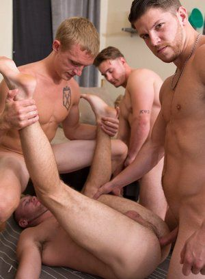 Trevor Long, Brandon Evans, Ashton and Zane Anders fucking bareback