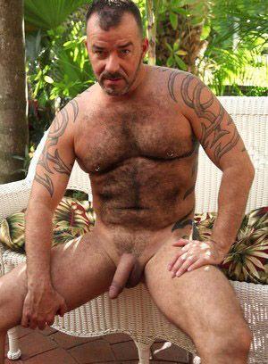 Steve King rubs his meat