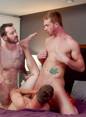 Mark Long, Elye Black and Dacotah Red suck and fuck