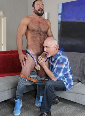Vinnie Stefano gets worship his cock