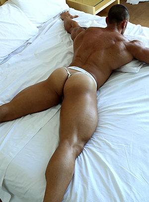 Gianluigi Volti shows off his muscular body