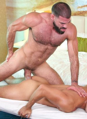 Ricky Larkin and Max Marciano suck and fuck