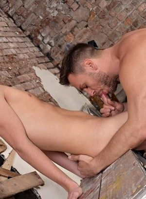 Hans Berlin and Casper Ellis fuck each other