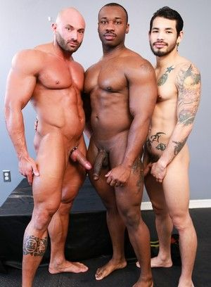 Draven Torres and Max Chevalier fucks Marc Williams
