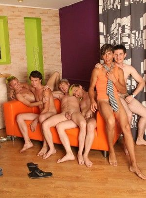 Homemade gay 3some orgy with explicit close-ups