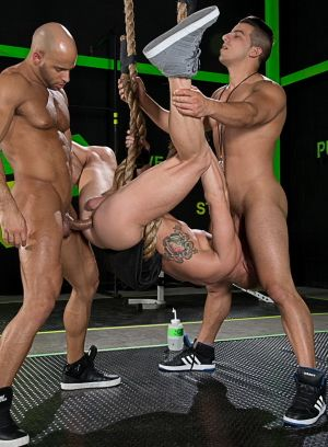 Sean Zevran and Jacob Taylor brutal fucks Johnny V