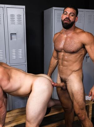 Ricky Larkin fucks Dax Carter
