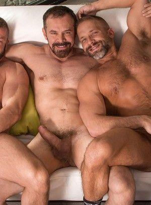 Hunter Marx, Dirk Caber and Max Sargent suck and fuck each other