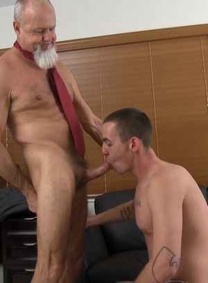 Ass-ramming session with mature man