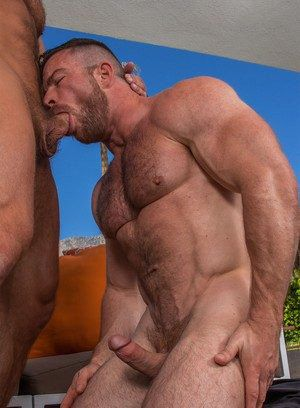Liam Knox and Dirk Caber fuck each other