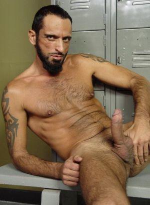 Tom Colt rubs his meat