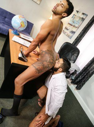 Mario Cruz fucks Jay Alexander