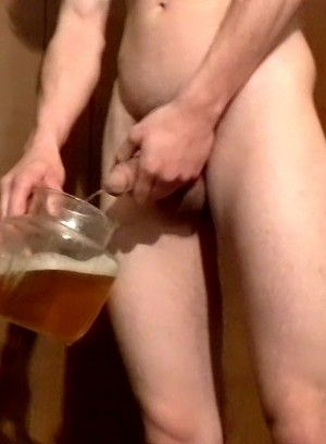 Coope Rreeves Pissing and Stroking