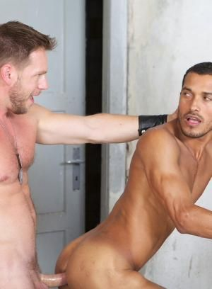 Hans Berlin and Pedro Diaz fuck each other