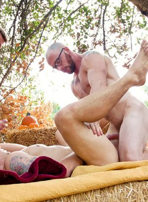 Markie More, Spencer Laval and Justin Matthews fucking bareback