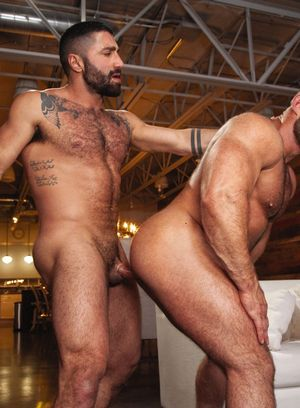 Sharok and Liam Knox fuck each other