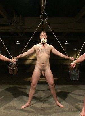Van Darkholme and Master Avery fucks two slave