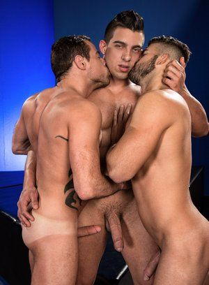 Jacob Taylor, Derek Deluca and Jonah Fontana fuck each other