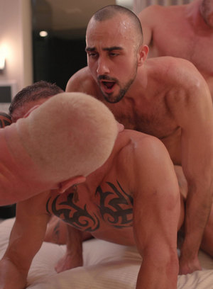 Brian Bonds, Mason Lear, Ryan Carter, Digger and Cain Marko suck and fuck